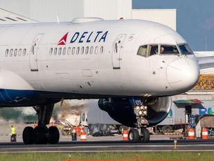 N6713Y - Delta Air Lines Boeing 757-200