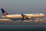 N67058 - United Airlines Boeing 767-400ER aircraft