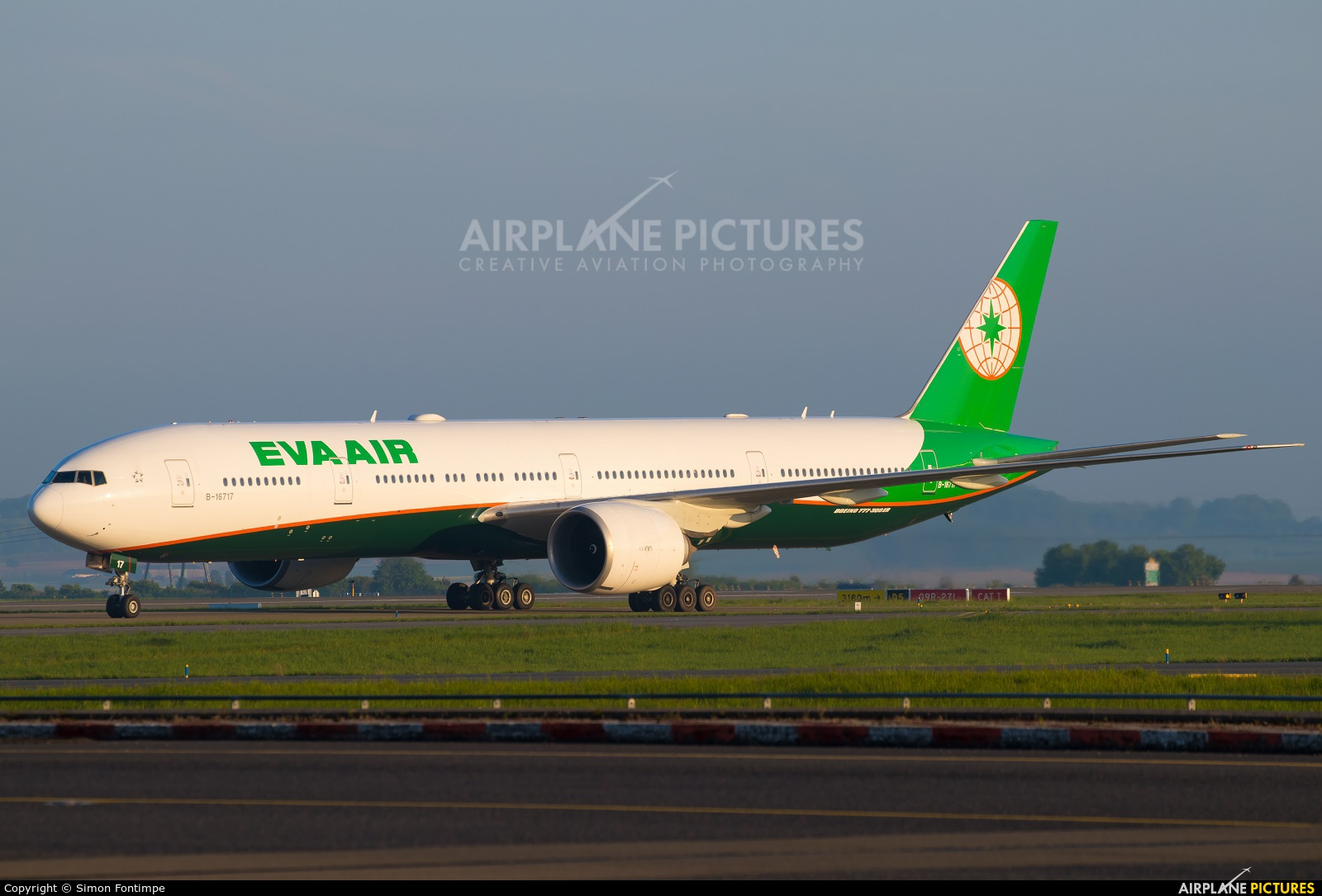 Eva Air B-16717 aircraft at Paris - Charles de Gaulle