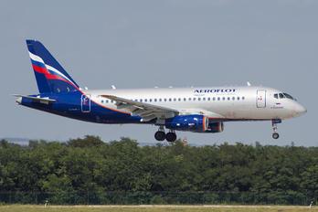 RA-89105 -  Sukhoi Superjet 100