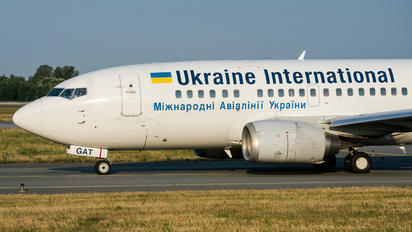 UR-GAT - Ukraine International Airlines Boeing 737-500