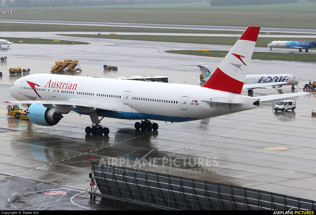 Austrian Airlines/Arrows/Tyrolean OE-LPB aircraft at Vienna - Schwechat