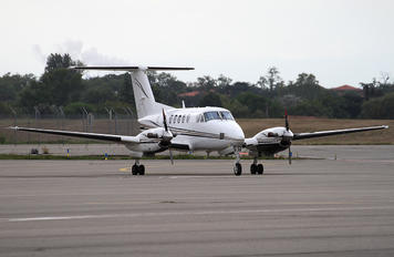 G-KVIP - Private Beechcraft 200 King Air
