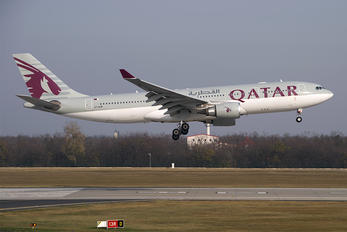 A7-ACM - Qatar Airways Airbus A330-200