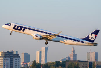 SP-LNA - LOT - Polish Airlines Embraer ERJ-190 (190-100)