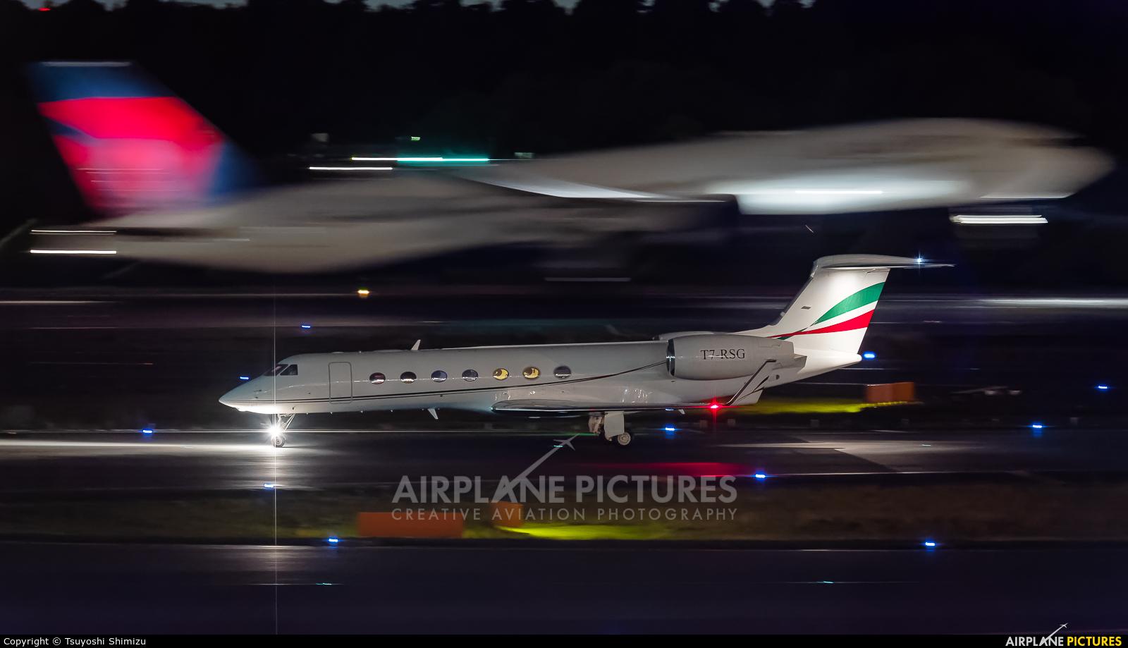 Twin Jet T7-RSG aircraft at Tokyo - Narita Intl