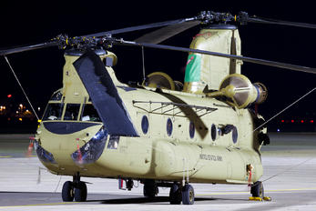 15-08184 - USA - Army Boeing CH-47F Chinook