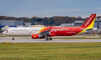 VN-A628 - VietJet Air Airbus A321