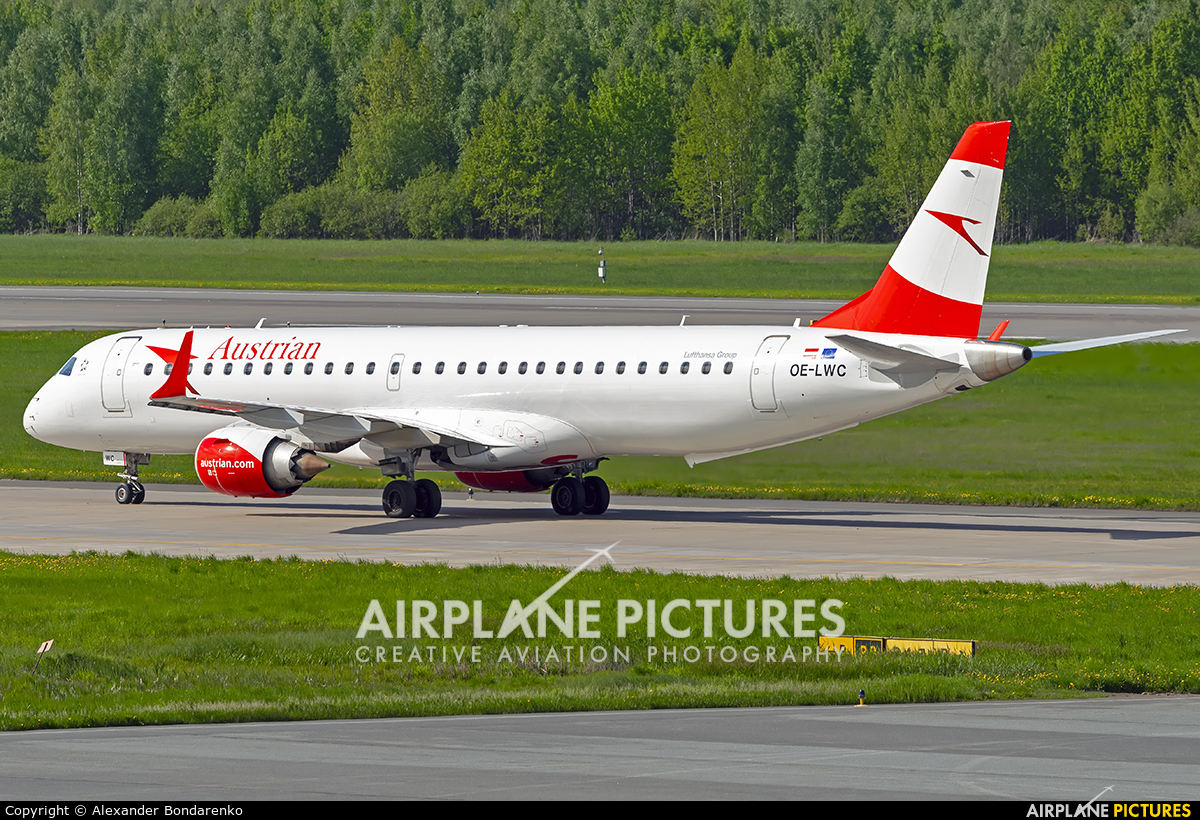 Austrian Airlines/Arrows/Tyrolean OE-LWC aircraft at St. Petersburg - Pulkovo