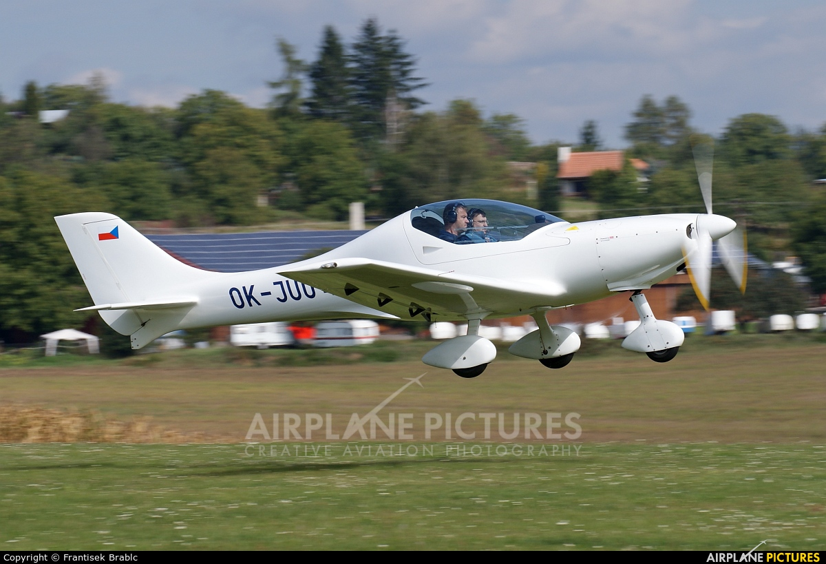 Aeroklub Polička OK-JUU 49 aircraft at Medlánky