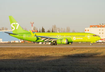 VQ-BGW - S7 Airlines Boeing 737-8 MAX