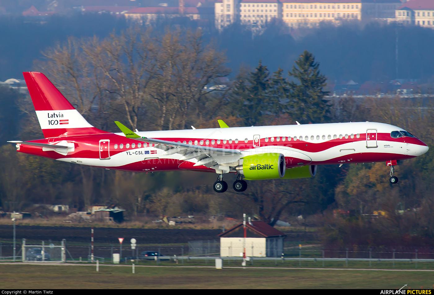 Air Baltic YL-CSL aircraft at Munich