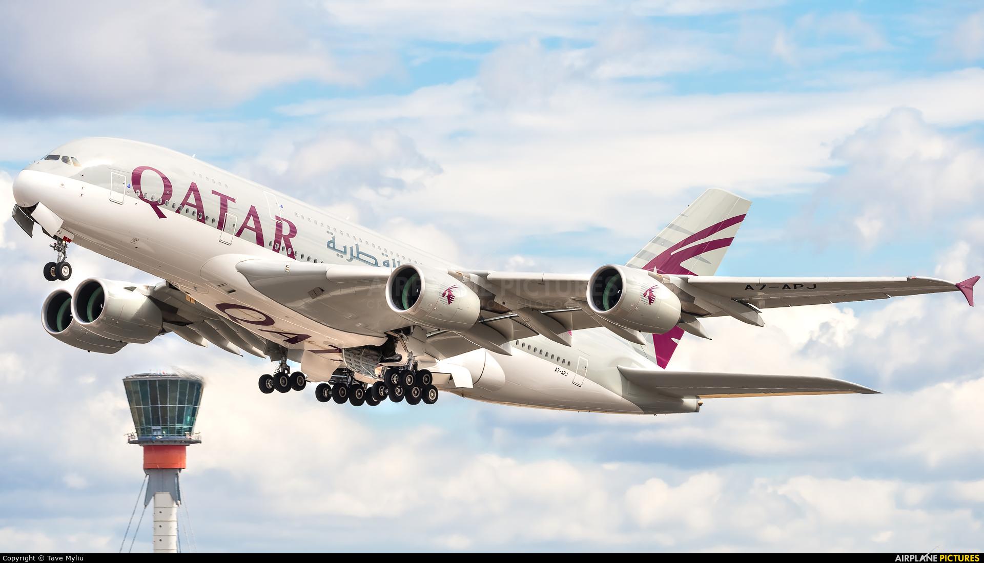 Qatar Airways A7-APJ aircraft at London - Heathrow