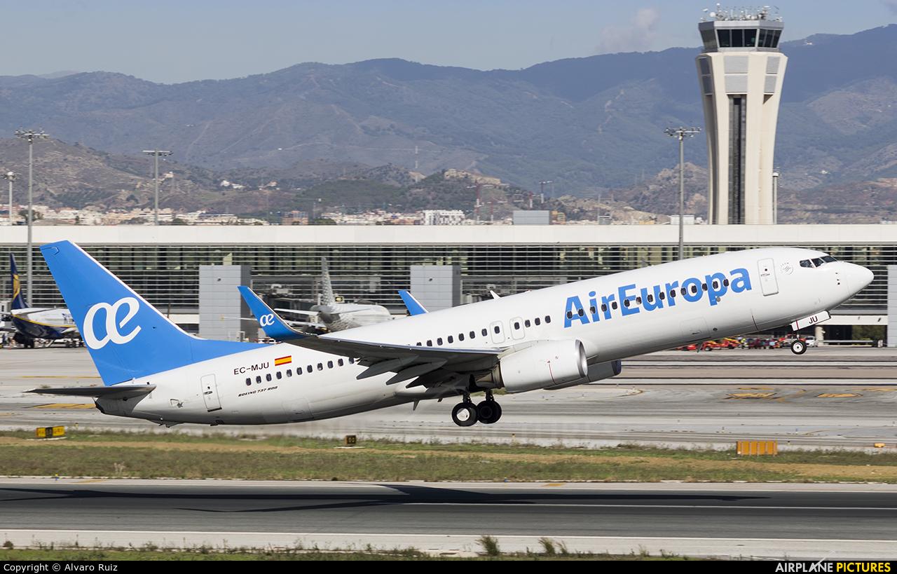 Air Europa EC-MJU aircraft at Málaga