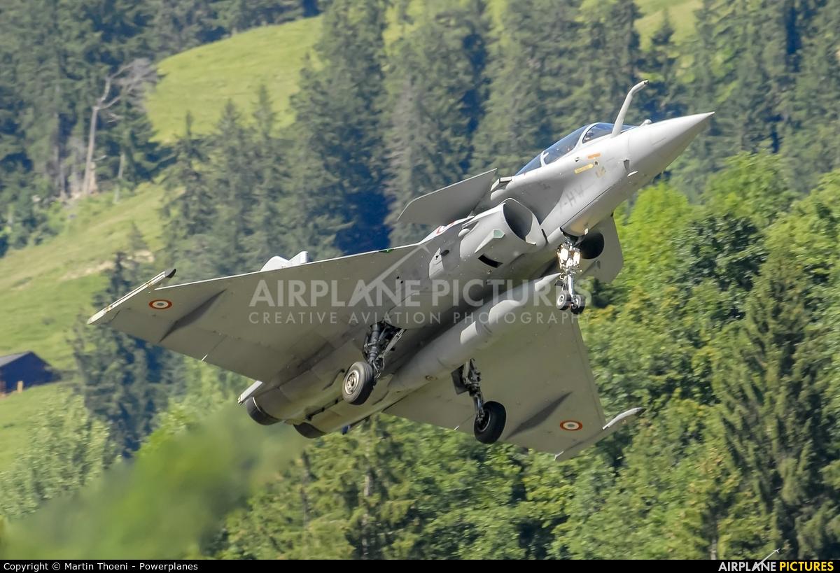 France - Air Force 7-HW aircraft at St. Stephan