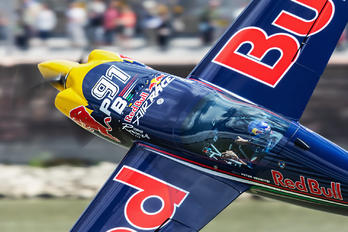 N806CR - Red Bull Corvus CA-41 Racer
