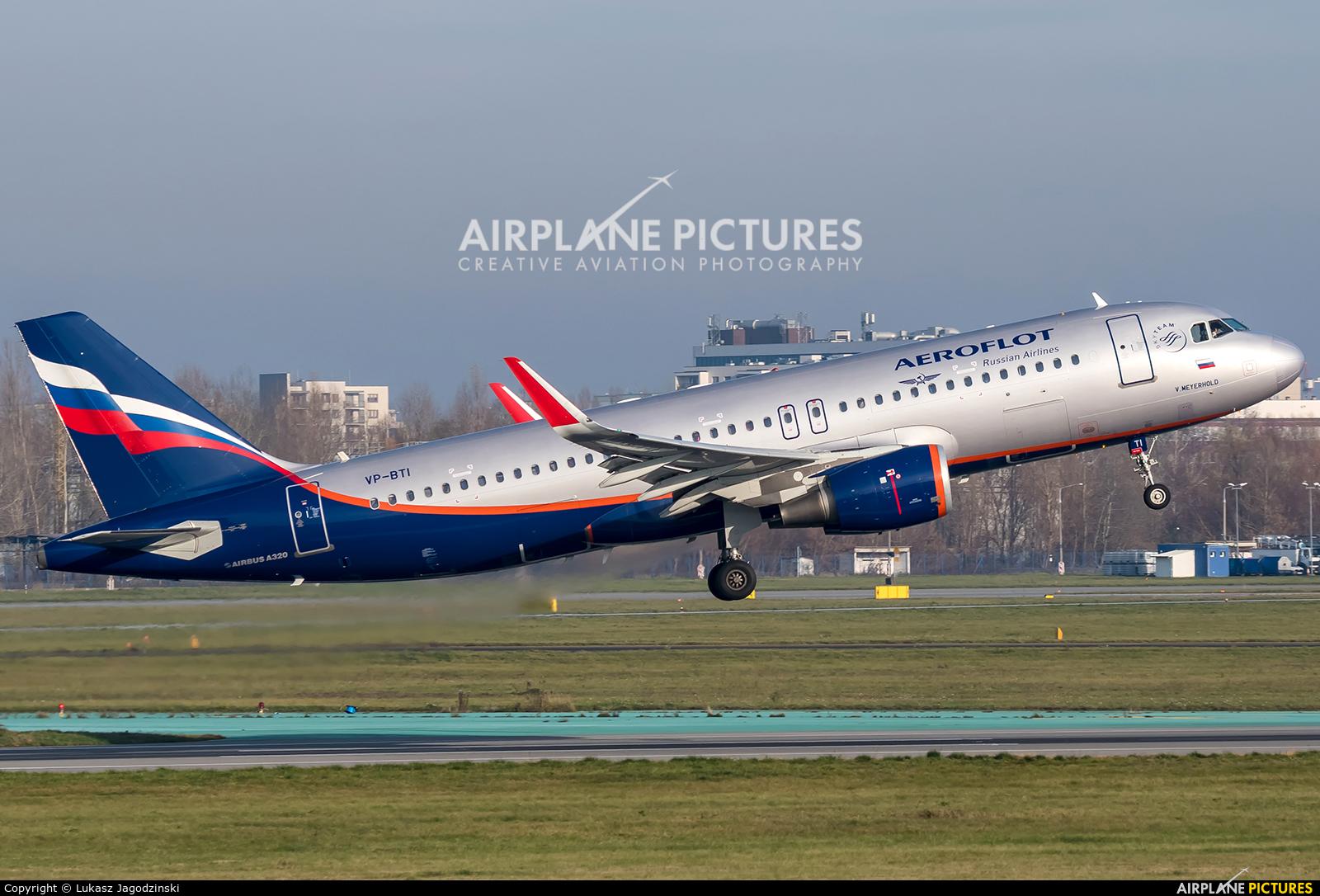 Aeroflot VP-BTI aircraft at Warsaw - Frederic Chopin