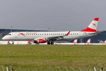 OE-LWO - Austrian Airlines/Arrows/Tyrolean Embraer ERJ-195 (190-200)
