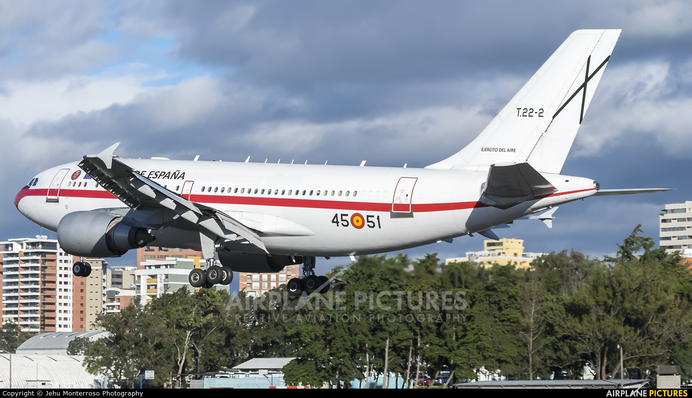 Spain - Air Force T.22-2 aircraft at Guatemala - La Aurora
