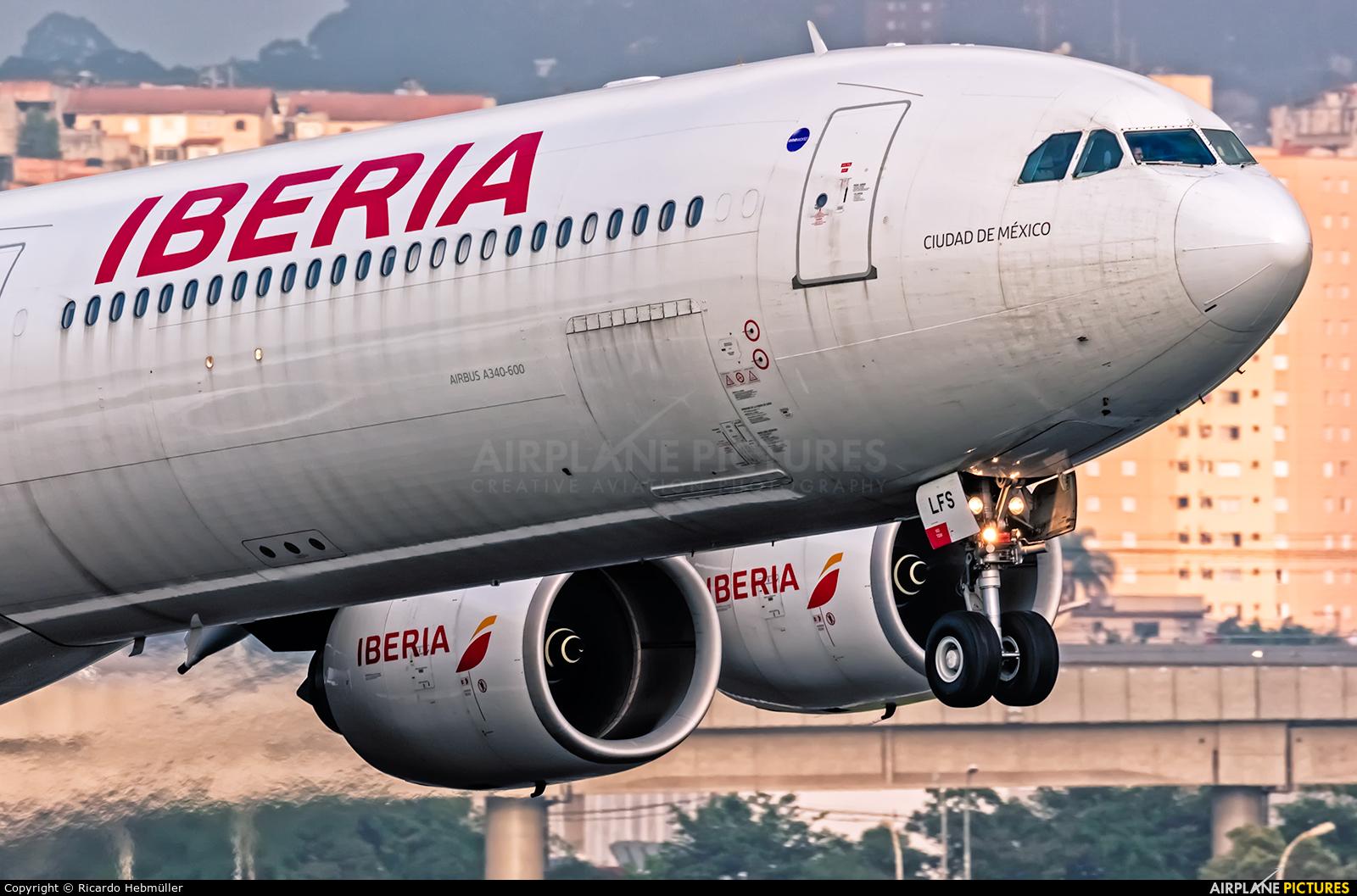 Iberia EC-LFS aircraft at São Paulo - Guarulhos
