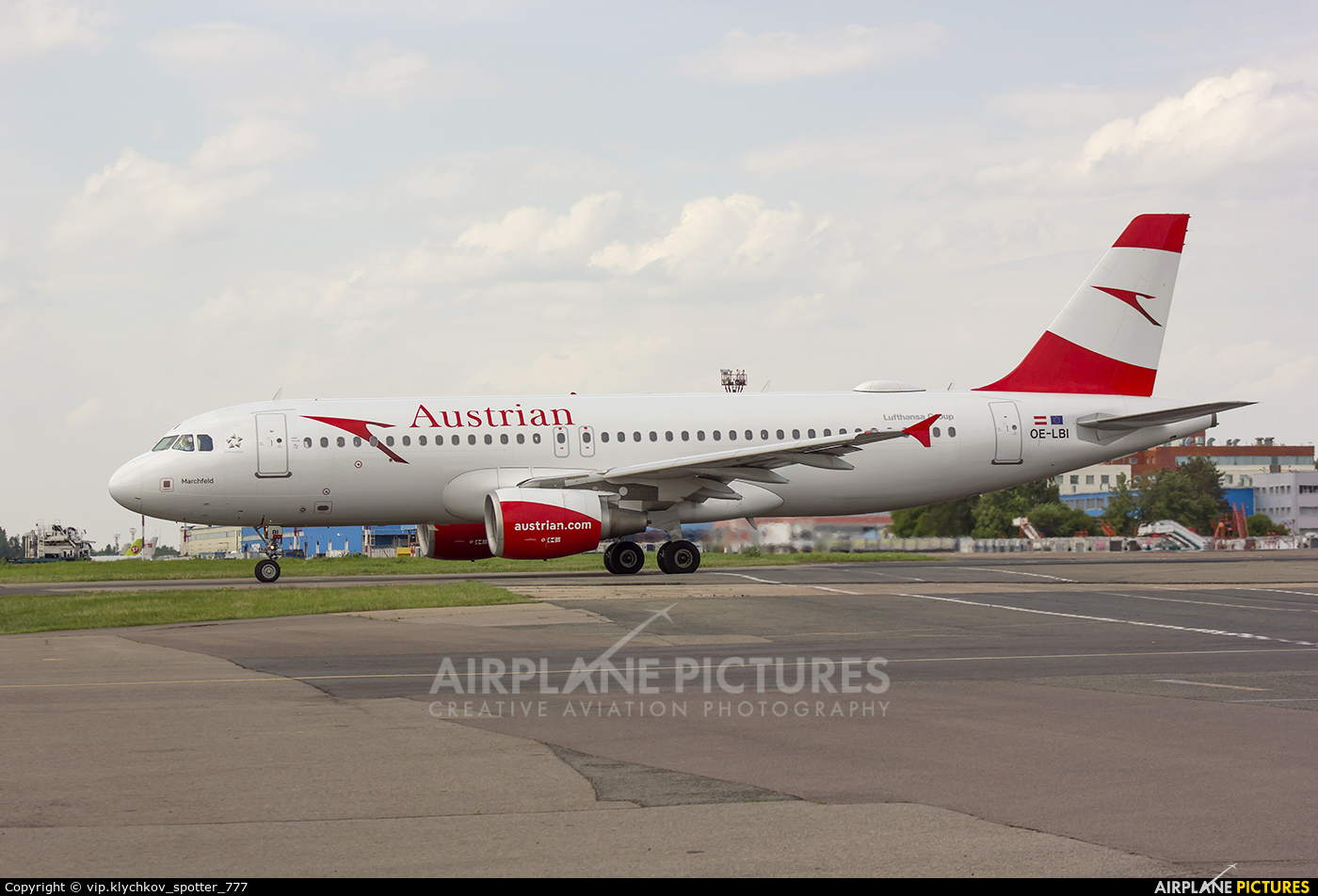 Austrian Airlines/Arrows/Tyrolean OE-LBI aircraft at Moscow - Domodedovo