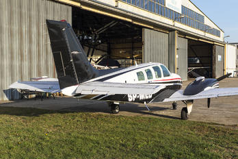SP-MED - Private Beechcraft 58 Baron