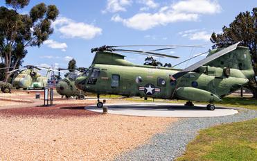 154803 - USA - Marine Corps Boeing CH-46E Sea Knight