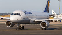 D-AIUT - Lufthansa Airbus A320 aircraft