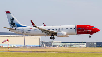 EI-FVT - Norwegian Air International Boeing 737-800