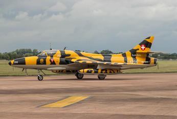 J-4206 - Private Hawker Hunter T.68