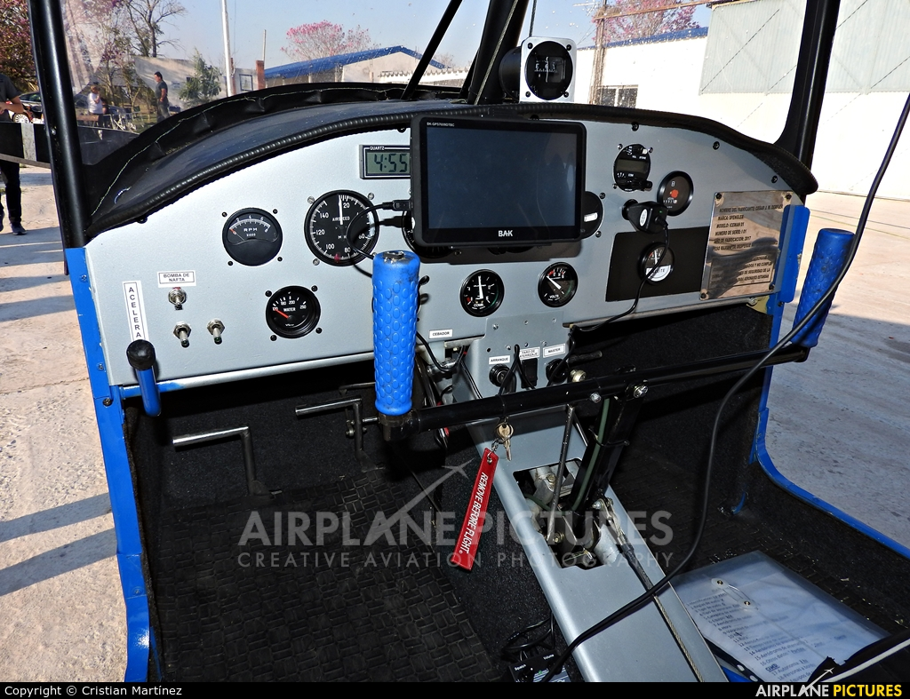 Private LV-X645 aircraft at Formosa Intl