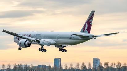 A7-BEU - Qatar Airways Boeing 777-300ER
