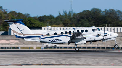 N359CB - Private Beechcraft 300 King Air 350