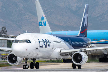 CC-BEB - LAN Airlines Airbus A321