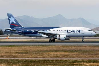 CC-BAU - LATAM Chile Airbus A320