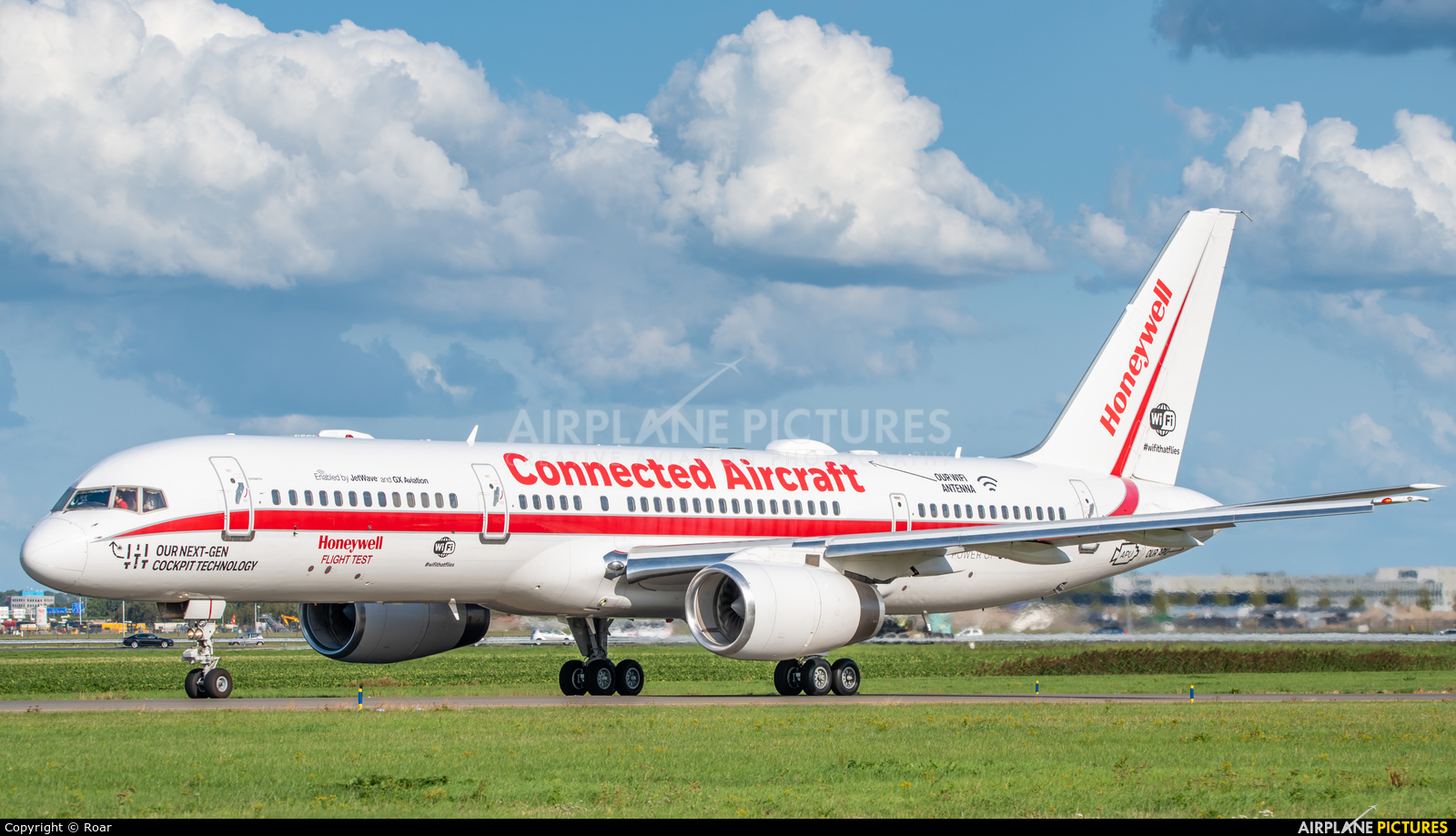Honeywell Aviation Services N757HW aircraft at Amsterdam - Schiphol