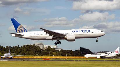 N784UA - United Airlines Boeing 777-200ER