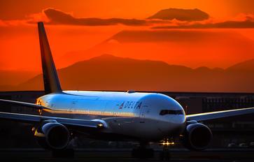 N863DA - Delta Air Lines Boeing 777-200ER