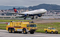 N821NW - Delta Air Lines - Airport Overview - Runway, Taxiway aircraft
