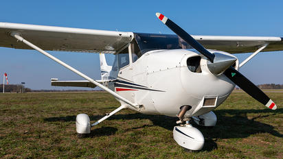 D-ELSH - Private Cessna 172 Skyhawk (all models except RG)