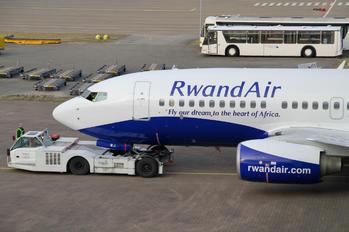 D-AHXB - RwandAir Boeing 737-700