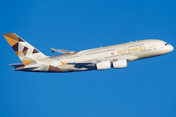 A6-APG - Etihad Airways Airbus A380