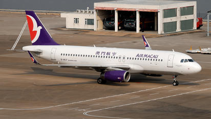 B-MCF - Air Macau Airbus A320