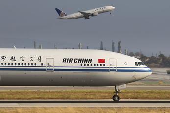 B-2046 - Air China Boeing 777-300ER