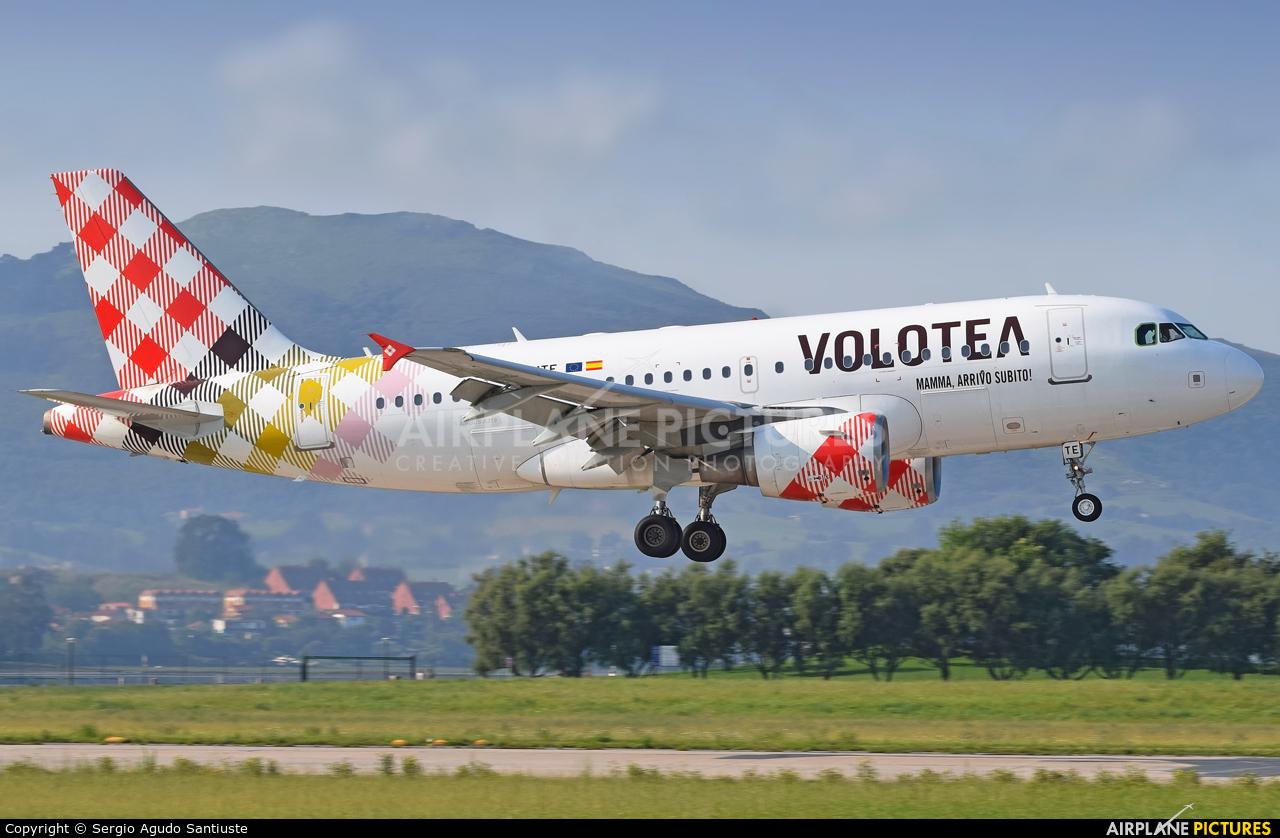 Volotea Airlines EC-MTE aircraft at Santander