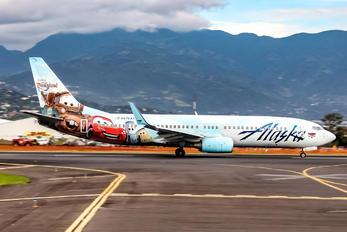 N570AS - Alaska Airlines Boeing 737-800