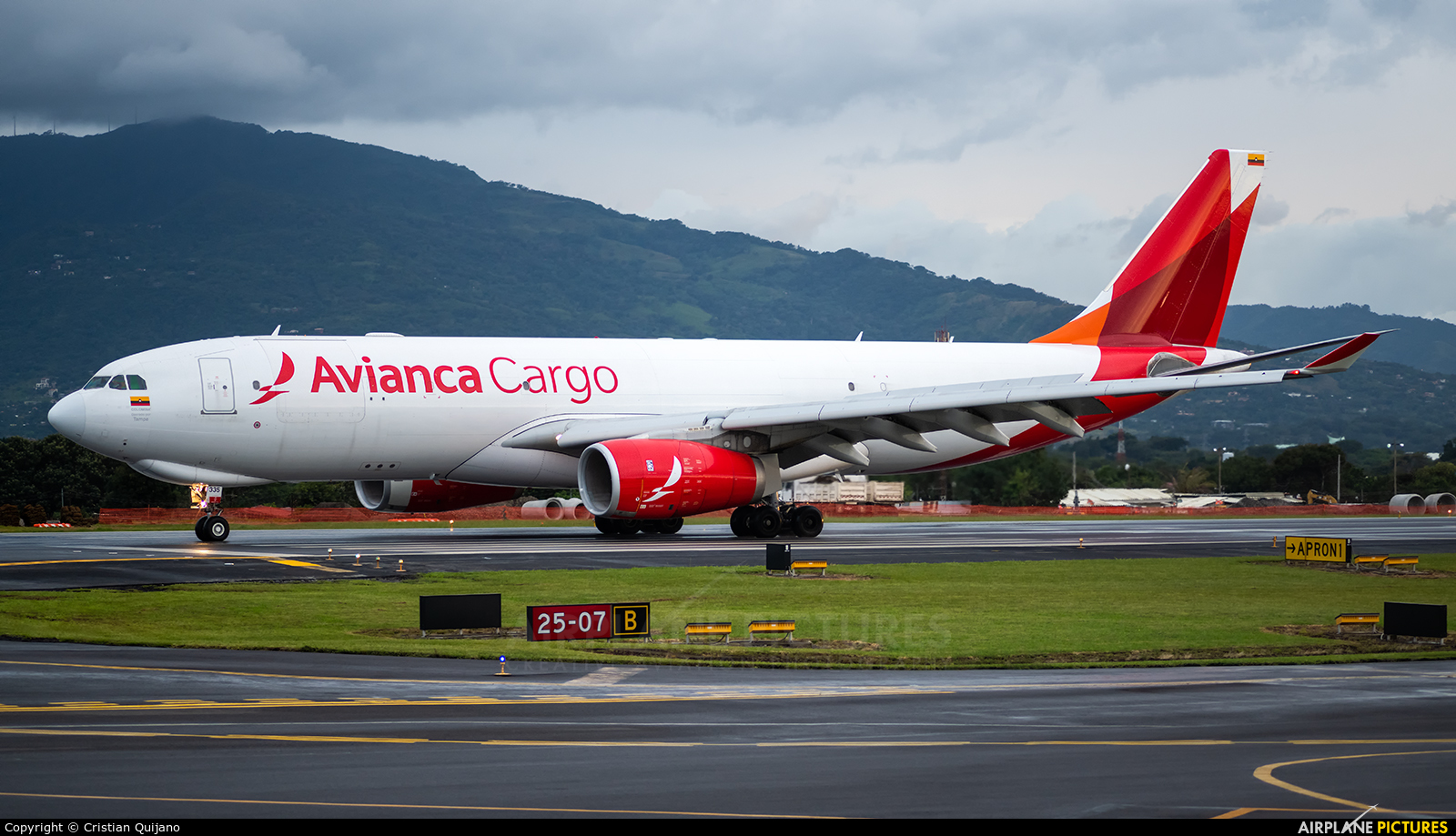 Avianca Cargo N335QT aircraft at San Jose - Juan Santamaría Intl