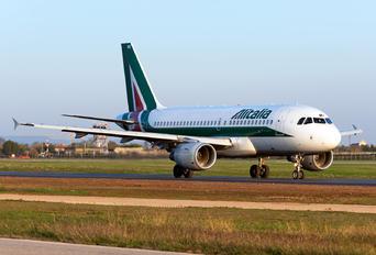 EI-IMX - Alitalia Airbus A319