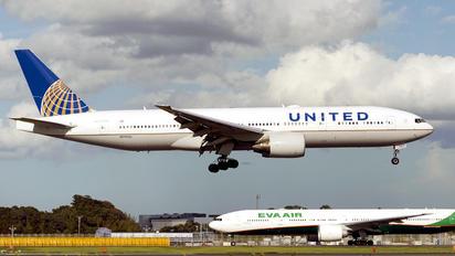 N797UA - United Airlines Boeing 777-200ER