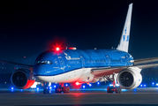 KLM Boeing 787-9 made a medical diversion to Helsinki title=